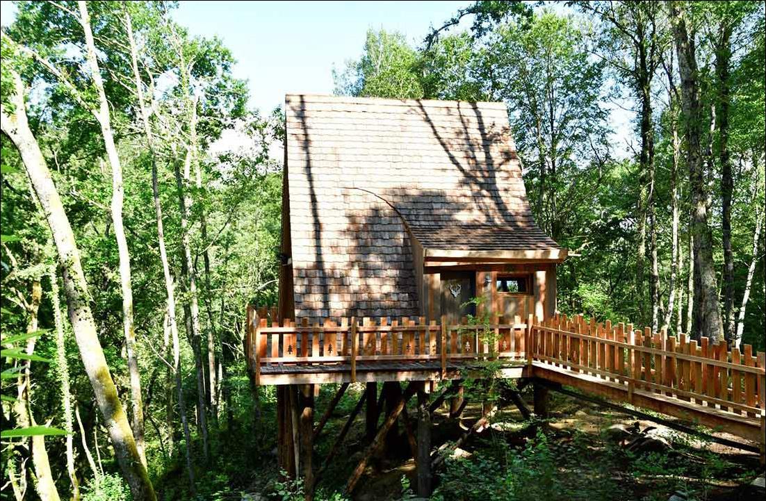 Mont Perdu perched hut mountain forest